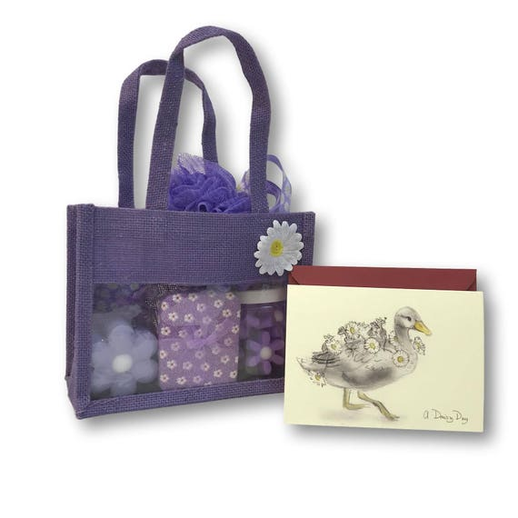 Purple Daisy Gift Bag - Bath Set