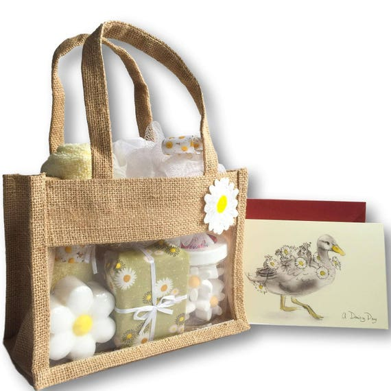 White Daisy Gift Bag - Bath Set