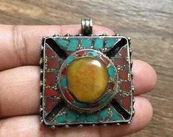 Tibetan Amber Pendent