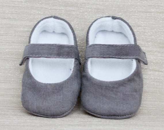 Baby shoes, baby girl shoes, Grey shoes, baby mary Jane, Grey  baby shoe, Grey corduroy Mary Jane girls shoe.