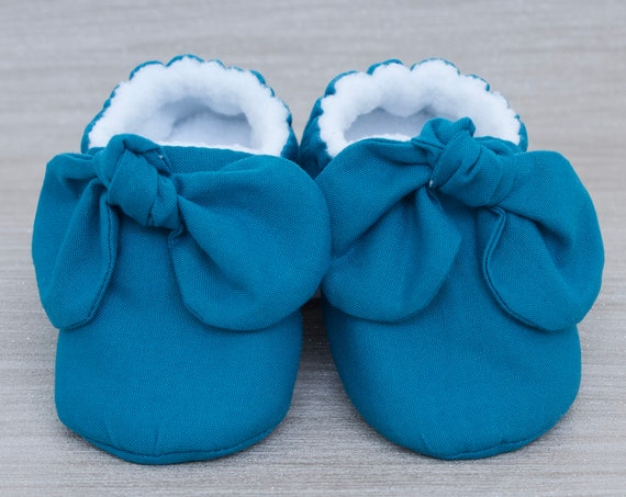 Baby shoe, Teal baby shoe, baby shoe girls, baby girls shoe,Teal knot bow mocc, baby shower gift.