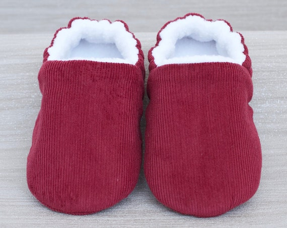 Baby shoe, baby boys shoe, baby girls shoes, Gender neutral  baby shoe, Burgundy baby shoe, Burgundy corduroy, booties and crib shoes.
