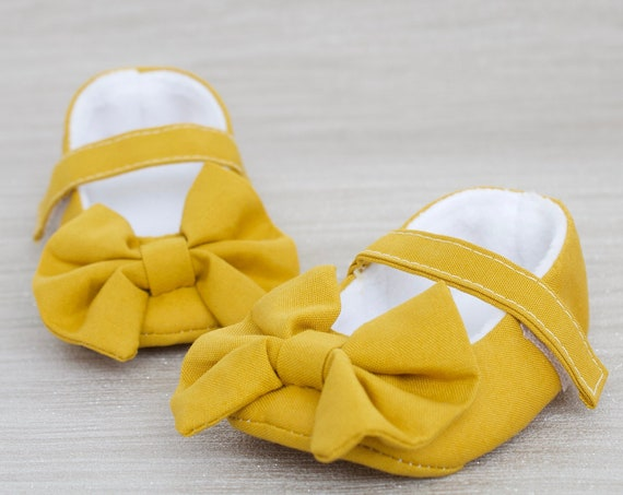 Baby shoe, girls shoe, baby shoe girls, baby girls shoe, Mustard Mary Jane soft sole baby girl shoes, with over sized bow