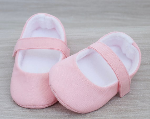 Baby shoes, baby girl shoes, Pale Pink shoes, baby Mary Jane, Pink baby shoe, Pink Mary Jane girls shoe.