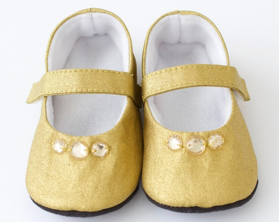 Baby shoes, baby girl shoes, Gold shoes, baby mary jane, gold baby shoe, christmas shoe, girls christmas shoe, gold christmas shoe.