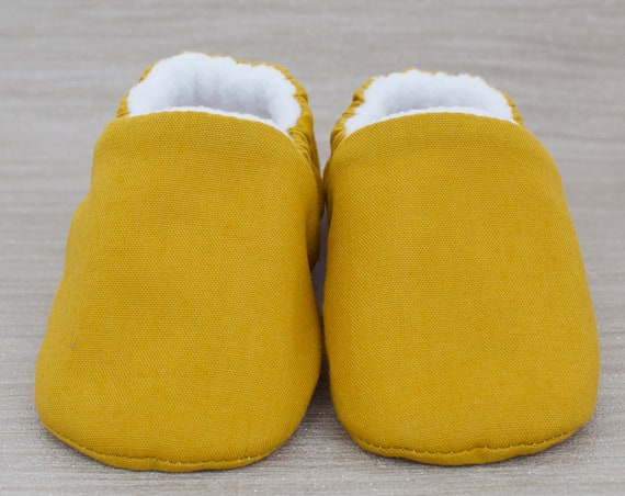 Baby shoe, baby shoe boys, baby shoe girls, gender neutral shoe, baby boys shoe, baby girls shoe, Mustard cotton baby moccs unisex