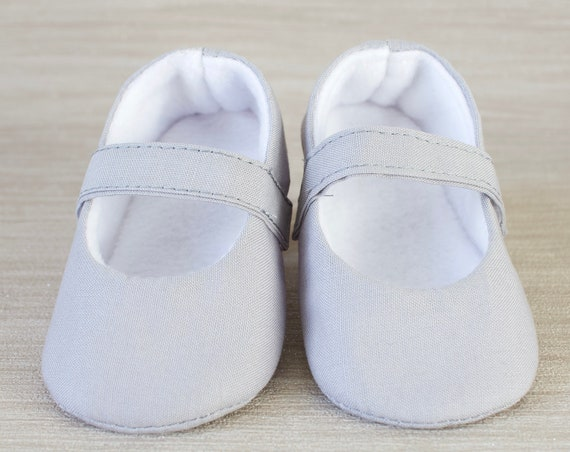 Baby shoes, baby girl shoes, Light grey shoes, baby Mary Jane, grey baby shoe, light grey Mary Jane girls shoe.