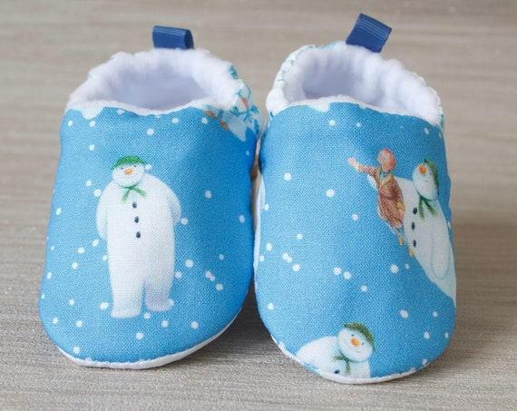 Baby shoes, Christmas shoes, baby girls shoe, baby shower gift, Christmas baby shoe, dark blue snowman shoe, booties and crib shoes