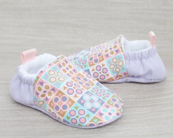 Baby shoes, baby girls shoes, baby shoes girls, pink & lilac baby shoe, baby moccs. baby shower gift.