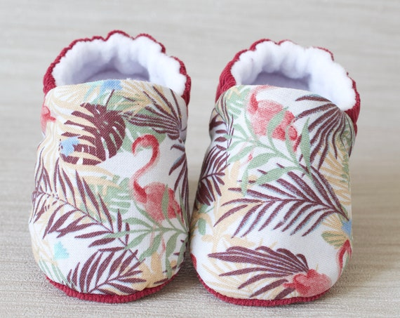 Booties and crib shoes, baby shoes, baby girls shoe, baby shoe girls, burgundy flamingo baby girls shoe.