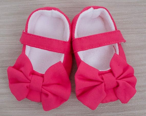 Baby shoes, girls shoes, baby girls shoes, baby shoes girls, baby Mary Janes, magenta pink Mary Janes with oversized bow.