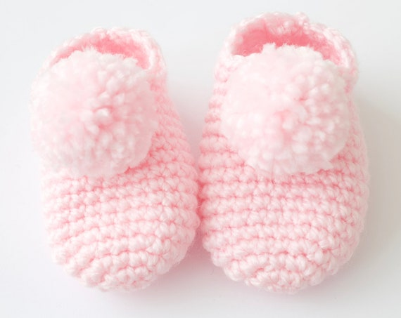 Baby shoes, crochet children slippers, house shoes, child shoe, child slippers, Pink crochet pompom slippers.ladies slippers.