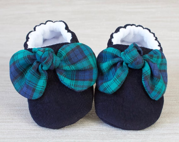 baby girl shoe, baby shoe with bow, navy corduroy  baby girl shoe, girls shoe, girls shoes with tartan bow detail. Blue girls shoe.