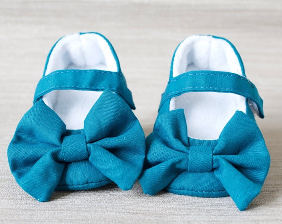 Baby shoe, girls shoe, baby shoe girls, baby girls shoe, Teal Mary Jane soft sole baby girl shoes, with over sized bow