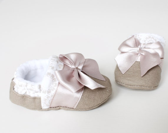 Baby Girls s shoes, Baby shoes, taupe linen and cotton baby shoes with satin trim and bow, birthday gift, new baby gift.