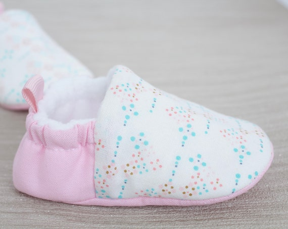 Baby shoes, baby girls shoes, baby shoes girls, pink & blue baby shoe, baby moccs