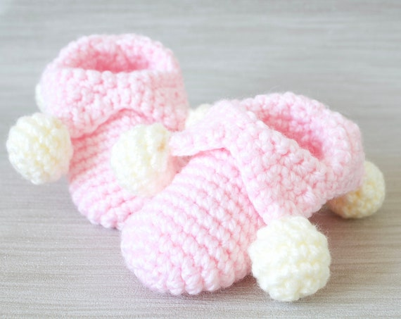 Baby shoes, crochet children slippers, house shoes, child shoe, child slippers, Pink crochet jester slippers.ladies slippers.