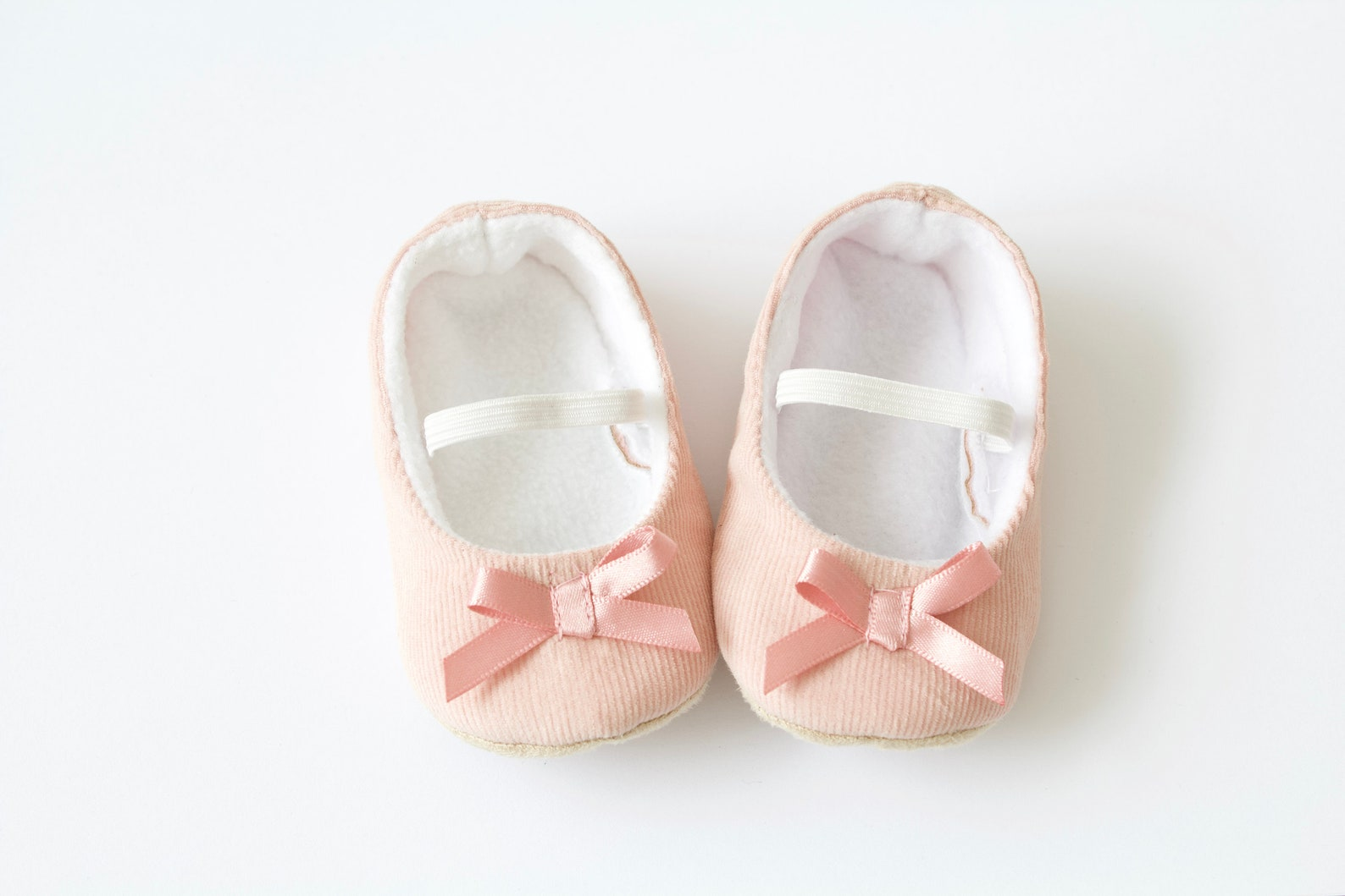 baby girl shoe, baby shoe ballet flat, pink baby girl shoe, girls shoe, pink corduroy ballet flats with pink satin bow.