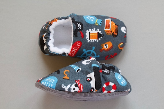 Boys shoe, baby shoe, baby shoe boys, Pirate baby shoes, boys moccs,baby shower gift.