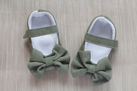 Baby shoes, Girls shoes, baby girls shoe, Khaki Green Mary Jane soft sole baby girl shoes, with over sized bow
