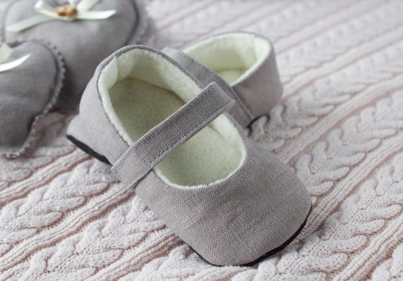 Grey pure linen shoes feature a cosy fleece lining. MaryJane pre walker and toddler shoes