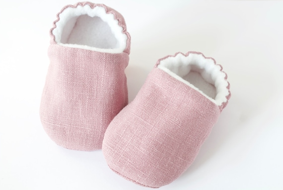 Baby shoe, baby girls shoe, baby shoe girls, pram shoes, lilac linen baby moccs for pre walkers and toddlers