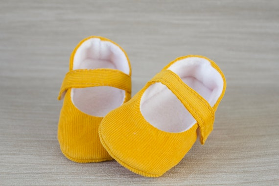 Baby shoes, baby girl shoes, Mustard shoes, baby Mary Jane,  baby shoe, Mustard corduroy Mary Jane girls shoe.