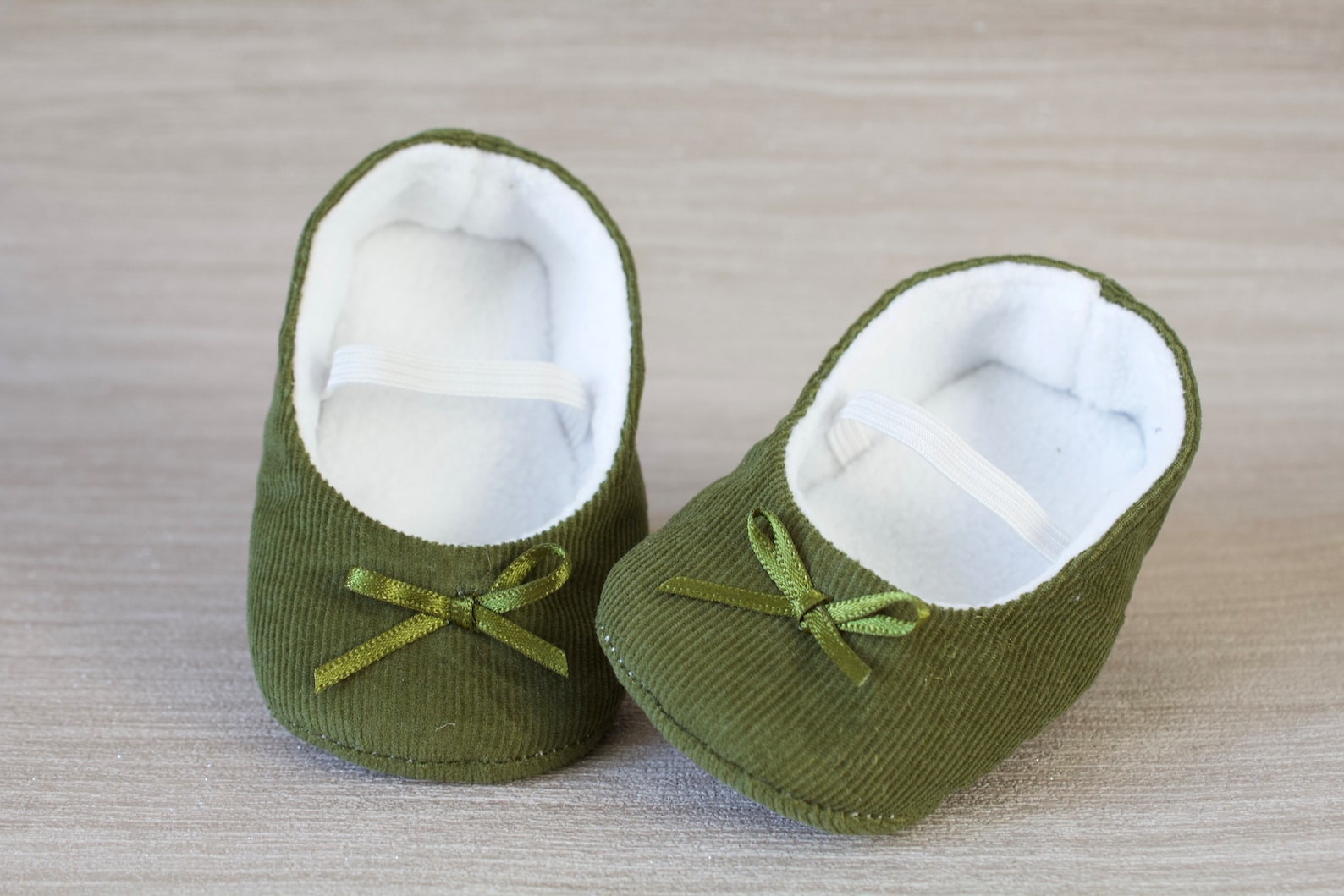 baby girl shoe, baby shoe ballet flat, olive green baby girl shoe, girls shoe, green corduroy ballet flats.