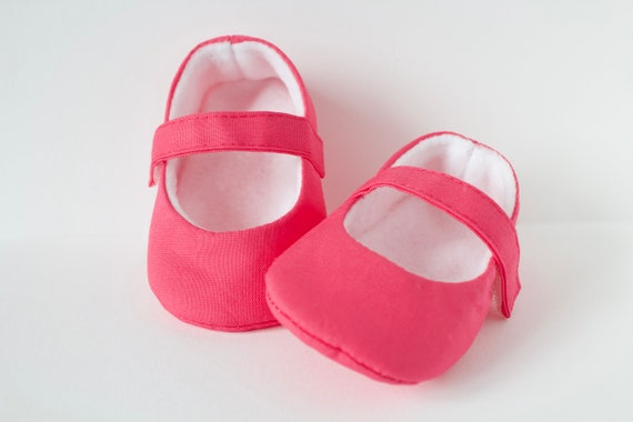 Baby shoes, baby girls Mary Jane shoe. Magenta  pink Mary Jane baby girls shoes. pre walkers and toddlers