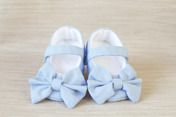 Baby shoe, girls shoe, baby shoe girls, baby girls shoe, pale blue Mary Jane soft sole baby girl shoes, with over sized bow