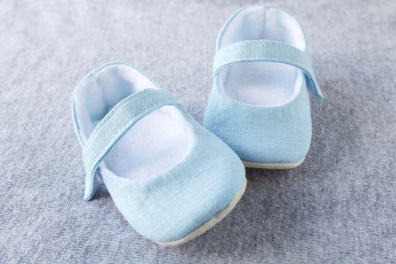 Baby shoes, baby girl shoes, blue shoe, Mary Jane shoe, special occasion shoe. linen baby shoe, baby shoes girls.