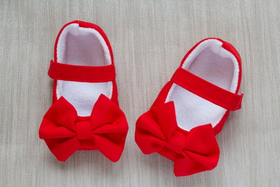 Baby shoes, baby shoes girls, girls shoes, baby girls shoes, red shoes, mary janes, red mary janes, party shoes.