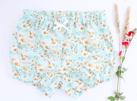 Baby Bloomers/nappy cover/ puff pants/ diaper cover, pale blue/green with daisy print
