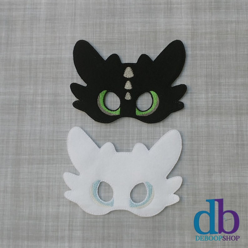 Black Dragon and White Dragon Felt Embroidered Mask-Night Fury image 0