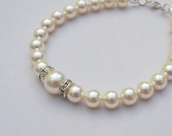 Ivory Pearl Bracelet, Cream Wedding Bracelet, Pearl Bridal Bracelet, Bridesmaid Jewellery, Bridal Jewellery, Bridesmaid Gift, Wedding Gift