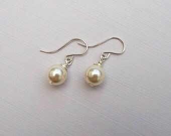 Ivory Pearl Earrings, Cream Bridesmaid Earrings, Ivory Bridal Jewellery, Bridesmaid Gift, Ivory Pearl Jewellery, Bridesmaid Jewellery,