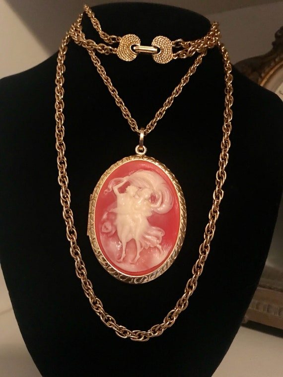 Long Double Gold Chain 1970s Cameo Locket Necklace