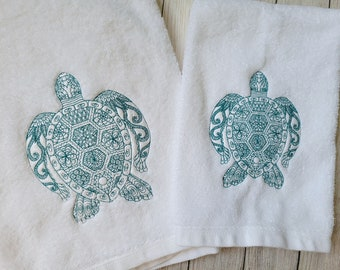 Sea Turtle Bath Towel,Bath Towel, Henna Sea Turtle Hand Towel,Embroidered Bath Towel,Housewarming Gift,Sea Turtle Gift,Sea Turtle Bath Decor