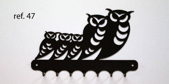 Keys hanging metal motif: family of owls