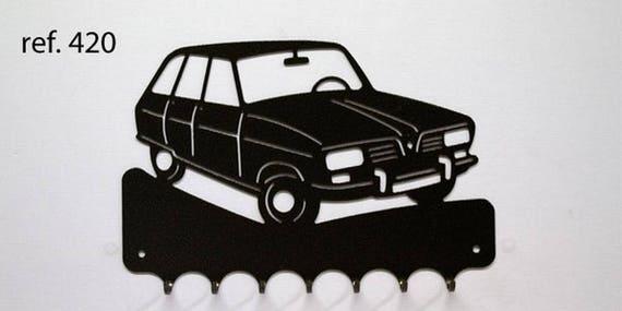 Hangs 26 cm pattern metal keys: Renault R16