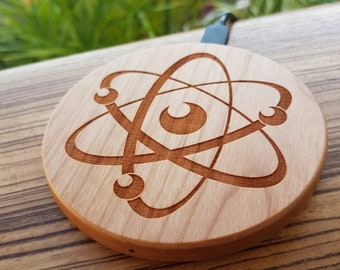 ATOM Wood Wireless Phone Charger Science Gift 10W QI Charging Pad with Custom Engraving