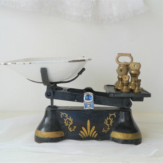 Vintage Cast Iron Kitchen Scales, Decorative Vintage Kitchen Scales, Vintage Brass Bell Weights