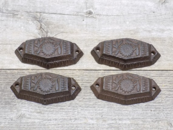 "5 CAST IRON BROWN 3/"" ORNATE PULLS DRAWER CABINET BIN HANDLES RUSTIC VINTAGE"