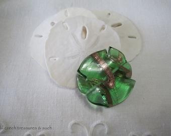 Green Twist Czech Glass Beads Gold Twist Czech Glass Beads Green Twist Czech Glass Gold Beads Green Lamp Work 38x35mm (1pc) 213V3