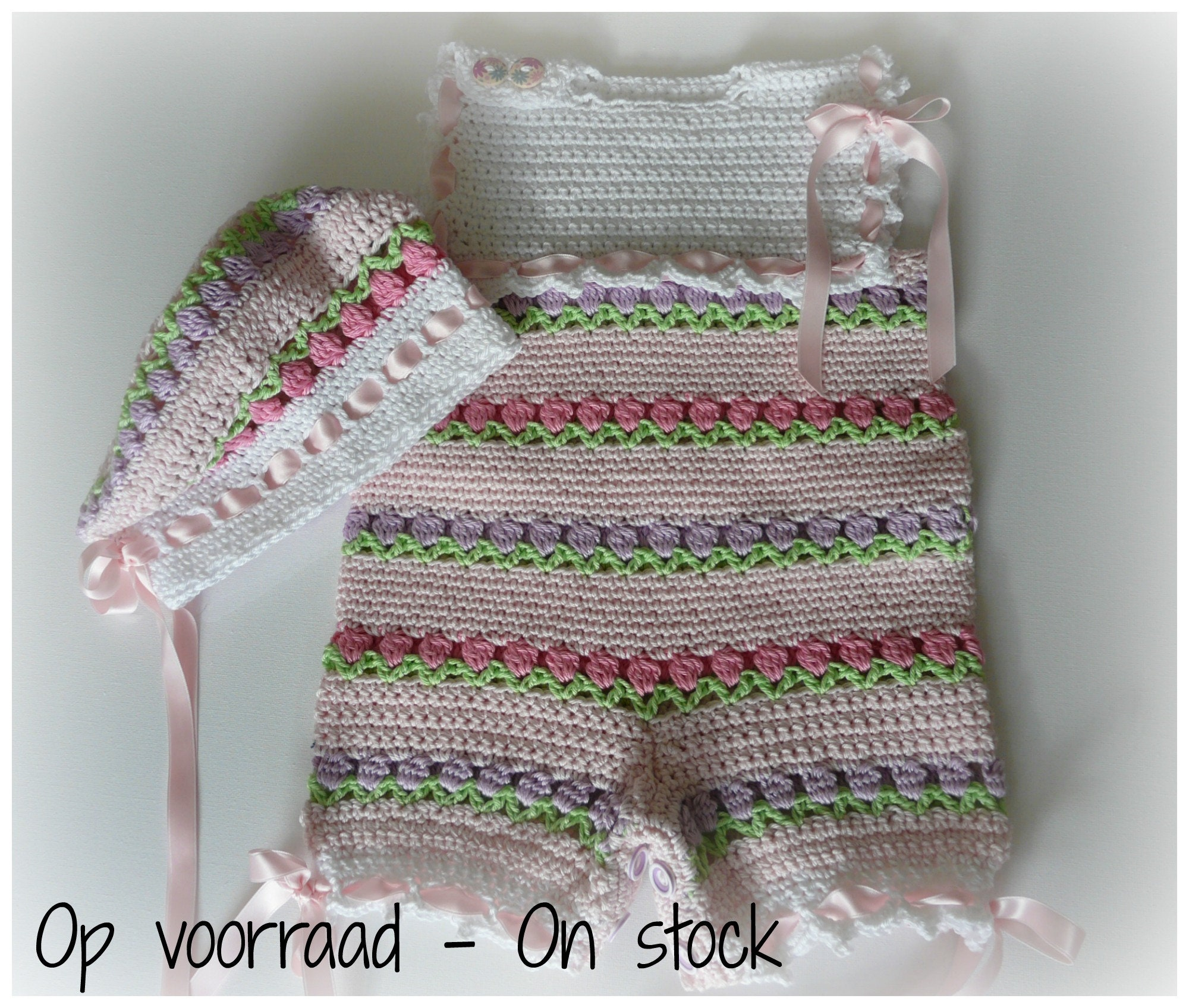 579aeb4adaa0 Crocheted Baby Romper   Bodysuit Beret Tulip size 0 to 3