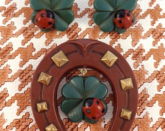 LUCKINESS PARURE : Horseshoe Brooch with Charm, Four Leaf Clover and Ladybug Dangle Earrings.