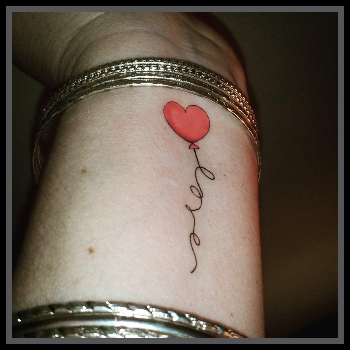 Faux tatouage coeur ballon amour tatouage temporaire coeur etsy - Image tatouage coeur ...