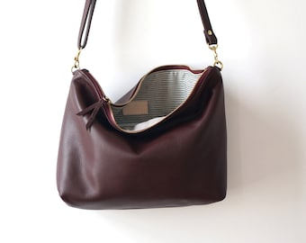 Plum Leather Hobo / Soft Leather Purse / Plum Leather Bag / Leather Purse / Everyday Bag / Crossbody Bag  / Casual / Simple Bag