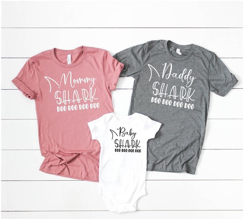 Mommy Daddy Baby Shark DO DO DO Matching Shirts Matching Mommy and Me  Shirts Mommy and Me Outfits Matching Family Shirts Photos Shark Family