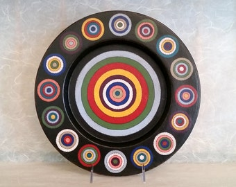 Decorative Wood Plate Featuring Primitive Folk Art Design